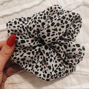 Black & White Spotted Scrunchie